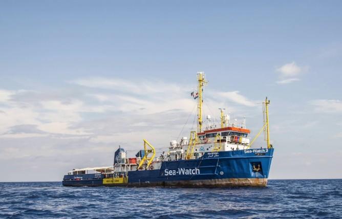 charity-ship-migrants-italy-nonprofit